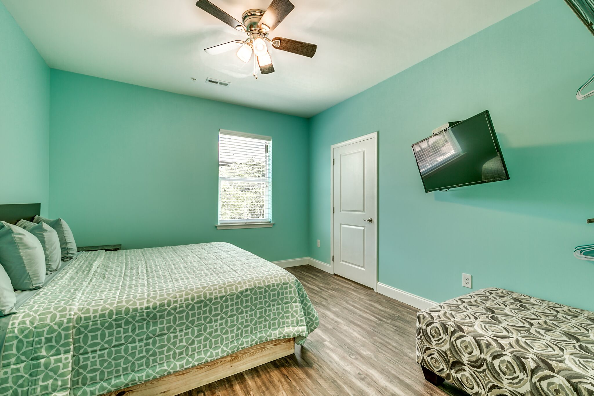 208 3rd Ave bedroom.
