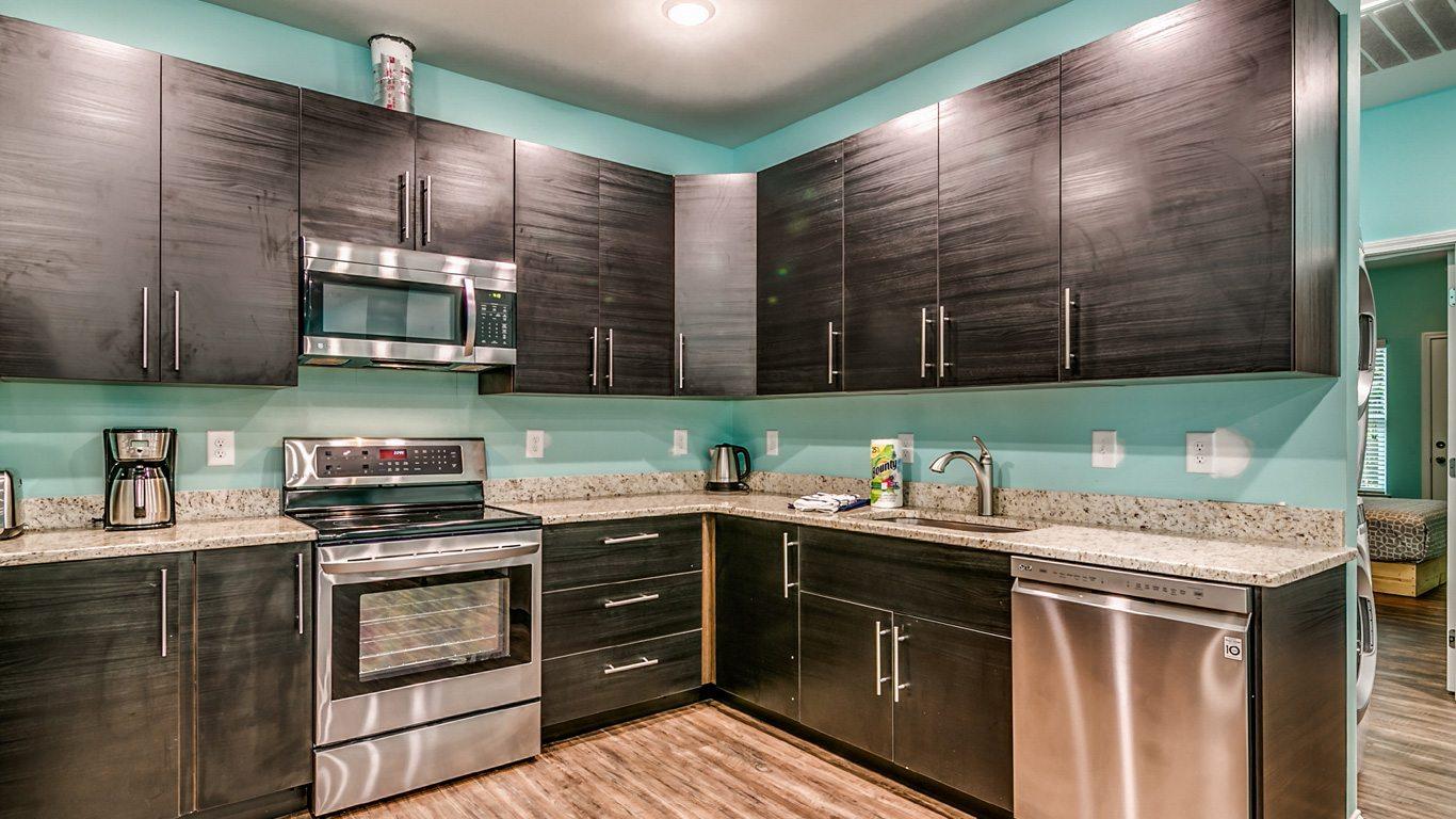407 9th Avenue – Unit A kitchen